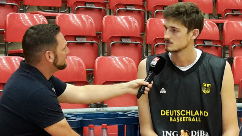 Trainingslager Basketball Nationalmannschaft Interview mit pleiss